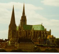 Photo of Chartres Cathedral (exterior).